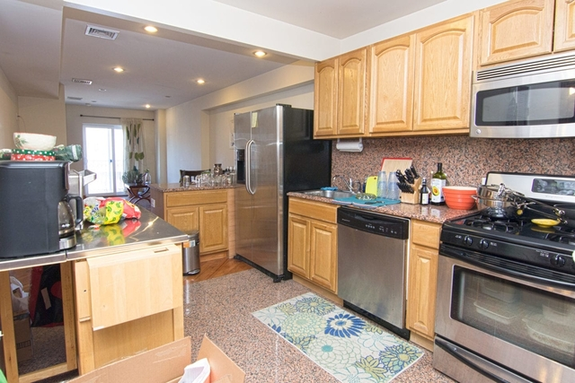3 Bedrooms, Steinway Rental in NYC for $2,750 - Photo 1