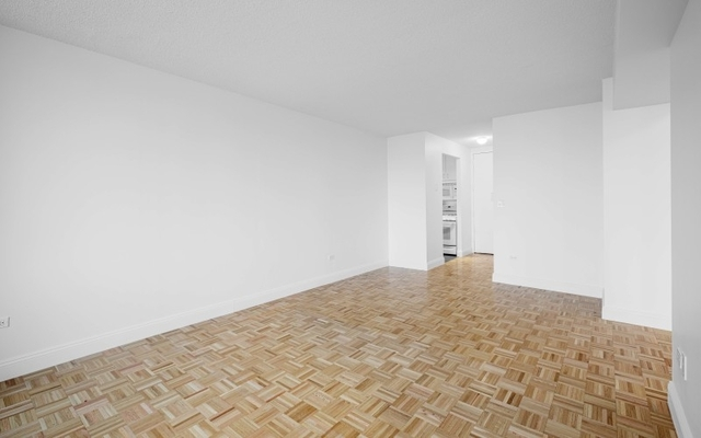 Studio, Lincoln Square Rental in NYC for $2,925 - Photo 1