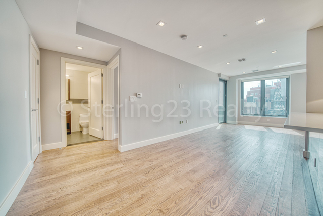 2 Bedrooms, Astoria Rental in NYC for $3,395 - Photo 2