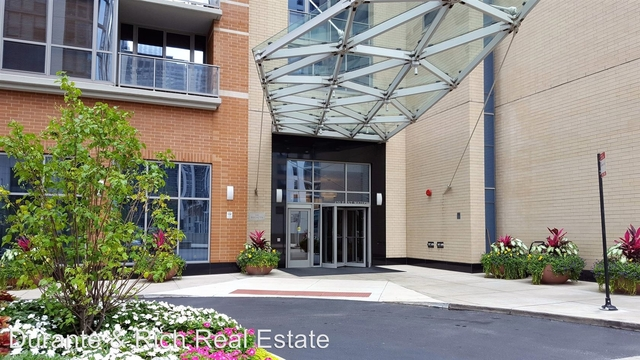 2 Bedrooms, Near East Side Rental in Chicago, IL for $3,395 - Photo 2
