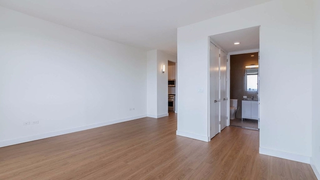 2 Bedrooms, Chelsea Rental in NYC for $6,424 - Photo 1