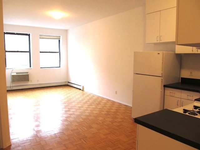 1 Bedroom, Astoria Rental in NYC for $2,150 - Photo 2