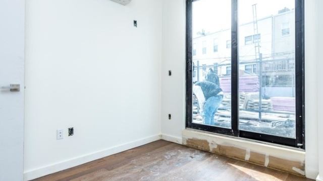 2 Bedrooms, Greenpoint Rental in NYC for $3,700 - Photo 2
