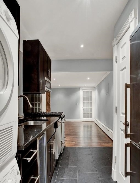 1 Bedroom, West Village Rental in NYC for $3,315 - Photo 2