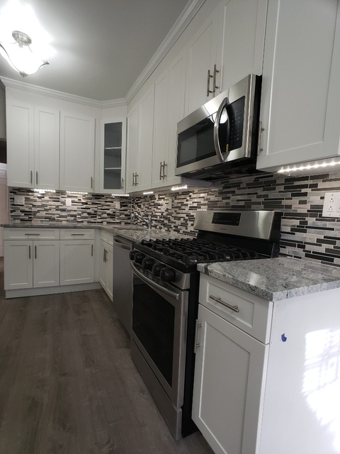 2 Bedrooms, Jackson Heights Rental in NYC for $3,400 - Photo 1