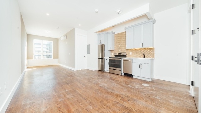 1 Bedroom, Greenpoint Rental in NYC for $3,395 - Photo 2