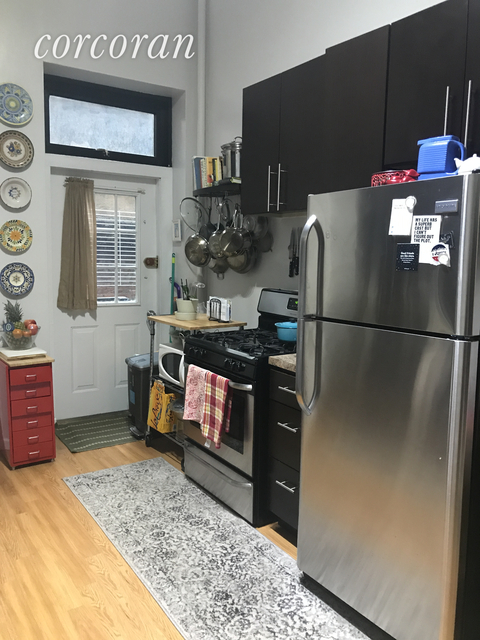 2 Bedrooms, Hell's Kitchen Rental in NYC for $2,850 - Photo 1