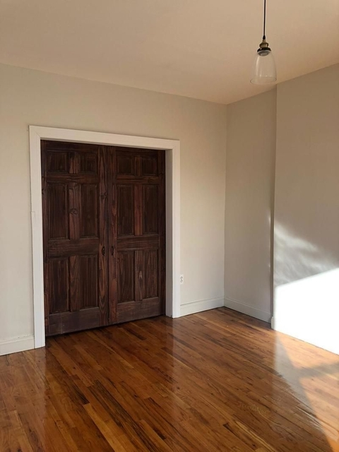 3 Bedrooms, Bedford-Stuyvesant Rental in NYC for $2,200 - Photo 2
