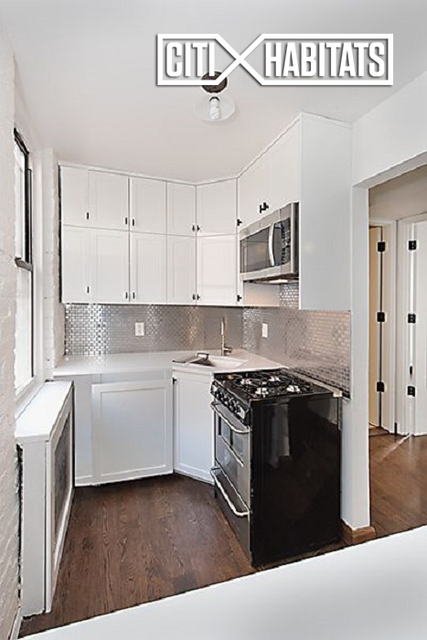 2 Bedrooms, Hell's Kitchen Rental in NYC for $3,875 - Photo 1