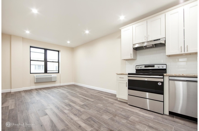 3 Bedrooms, Unionport Rental in NYC for $2,600 - Photo 1