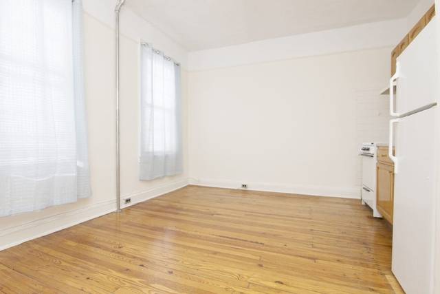 1 Bedroom, Steinway Rental in NYC for $1,600 - Photo 2