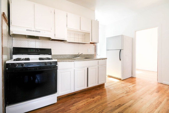 3 Bedrooms, Williamsburg Rental in NYC for $2,699 - Photo 1