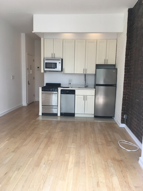 1 Bedroom, Yorkville Rental in NYC for $2,895 - Photo 1