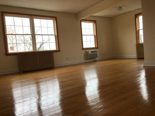 2 Bedrooms, Douglaston Park Rental in Long Island, NY for $2,300 - Photo 1