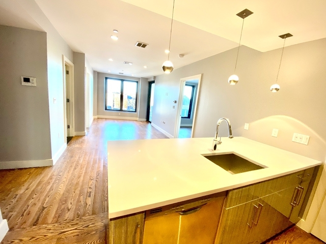 2 Bedrooms, Astoria Rental in NYC for $3,895 - Photo 2