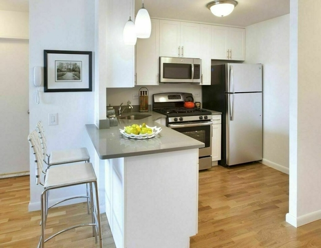 Studio, Battery Park City Rental in NYC for $3,120 - Photo 2