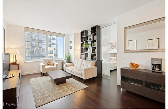 2 Bedrooms, Downtown Brooklyn Rental in NYC for $5,445 - Photo 1