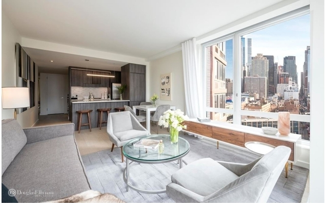 2 Bedrooms, Hell's Kitchen Rental in NYC for $6,890 - Photo 2