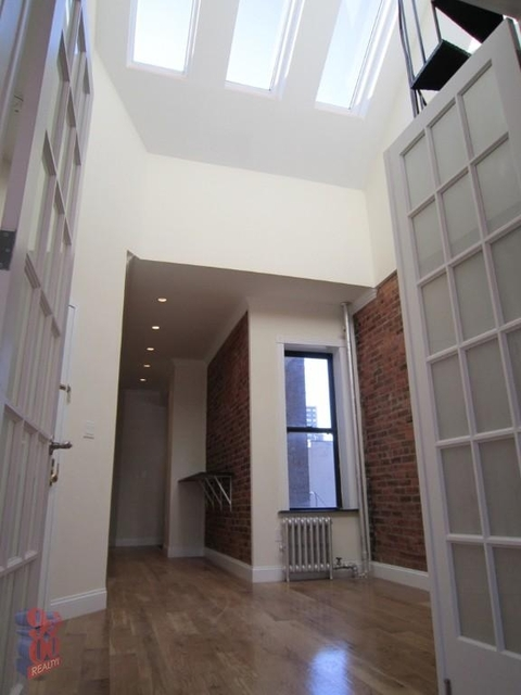 3 Bedrooms, Yorkville Rental in NYC for $5,000 - Photo 2