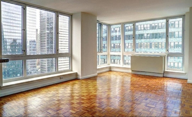 2 Bedrooms, Hell's Kitchen Rental in NYC for $4,390 - Photo 1