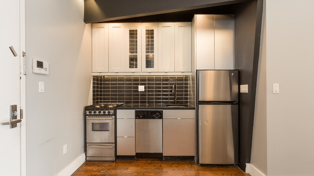 4 Bedrooms, Bedford-Stuyvesant Rental in NYC for $3,222 - Photo 2