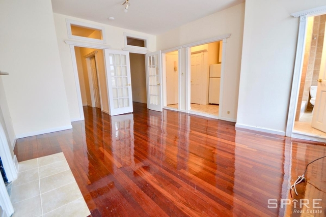 2 Bedrooms, Hell's Kitchen Rental in NYC for $2,275 - Photo 1
