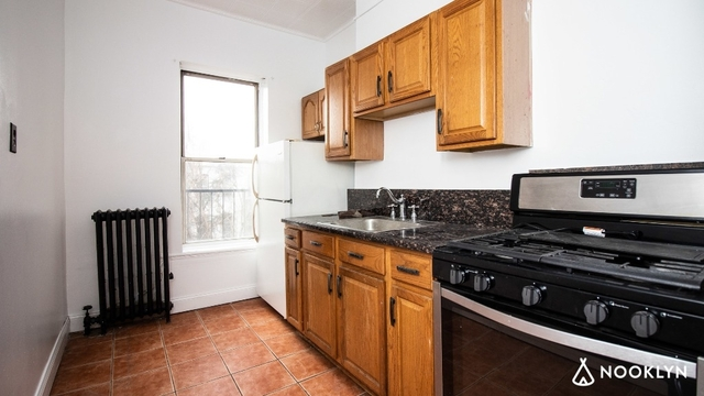 2 Bedrooms, Greenpoint Rental in NYC for $3,600 - Photo 2