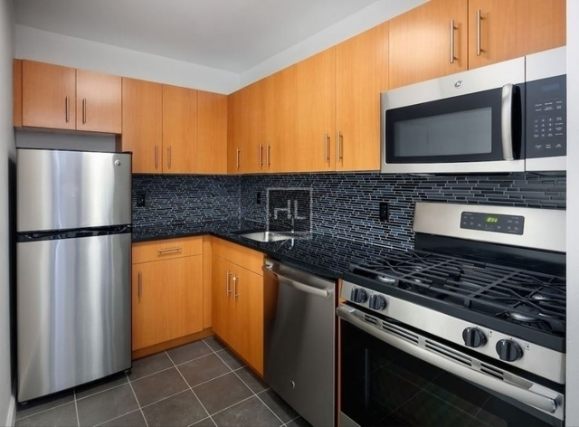 2 Bedrooms, Alphabet City Rental in NYC for $4,491 - Photo 2