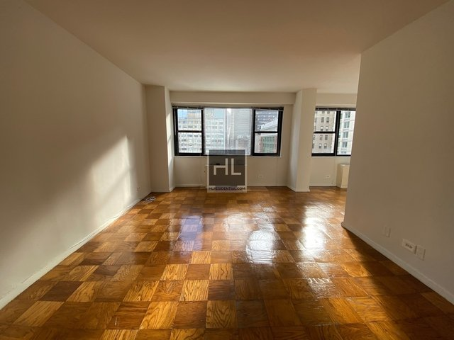 Studio, Hell's Kitchen Rental in NYC for $2,575 - Photo 1