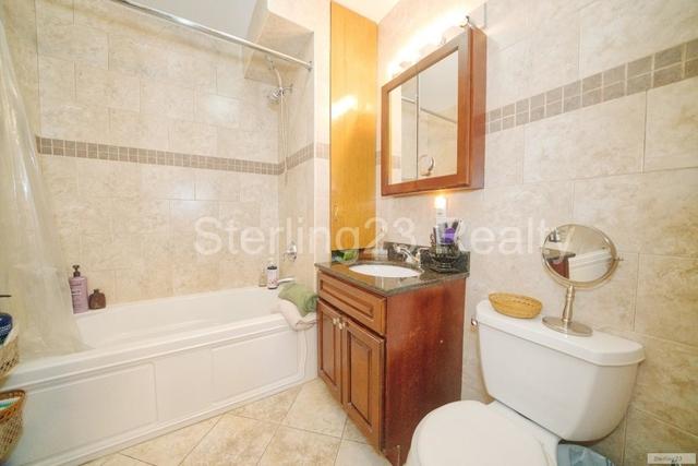 1 Bedroom, Ditmars Rental in NYC for $2,250 - Photo 2