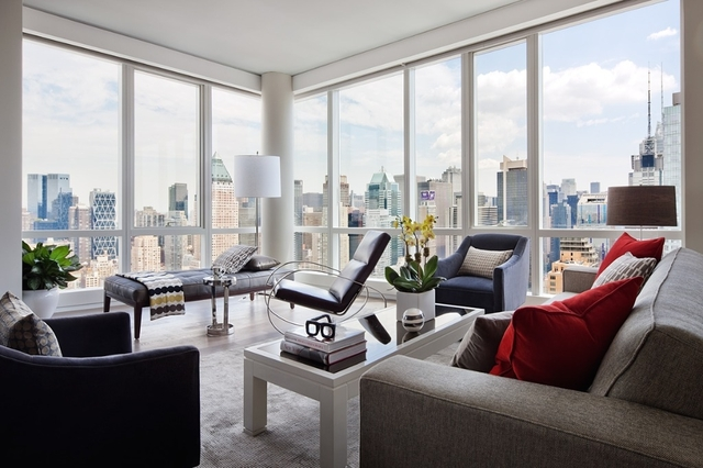 2 Bedrooms, Hell's Kitchen Rental in NYC for $5,925 - Photo 1
