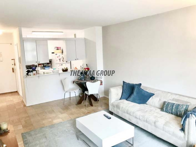 3 Bedrooms, Upper East Side Rental in NYC for $4,200 - Photo 2