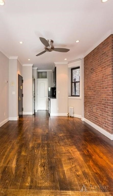 4 Bedrooms, Hell's Kitchen Rental in NYC for $5,720 - Photo 1