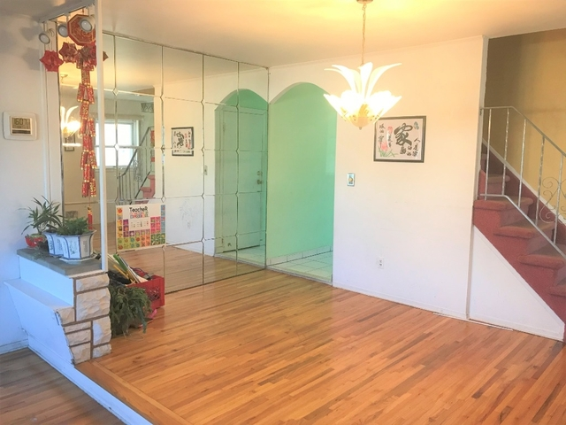 4 Bedrooms, Midland Beach Rental in NYC for $2,799 - Photo 2