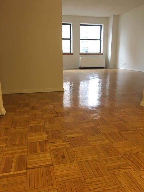 1 Bedroom, Upper West Side Rental in NYC for $3,250 - Photo 2