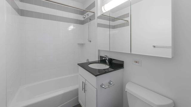 Studio, Lincoln Square Rental in NYC for $2,860 - Photo 2