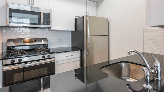 Studio, Lincoln Square Rental in NYC for $2,860 - Photo 1
