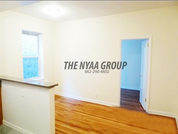 2 Bedrooms, Upper East Side Rental in NYC for $2,600 - Photo 2