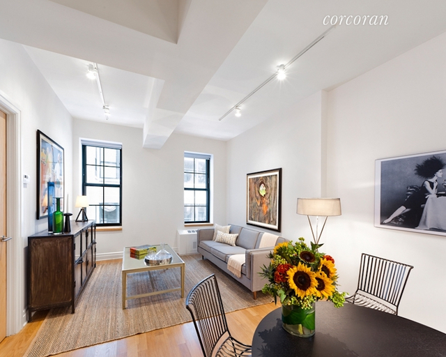 2 Bedrooms, DUMBO Rental in NYC for $5,795 - Photo 2
