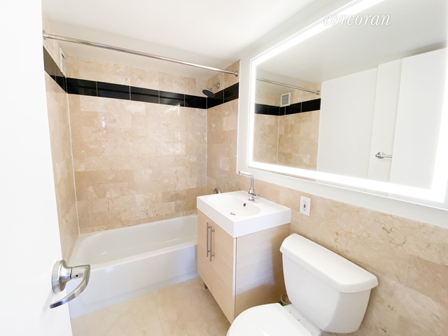 1 Bedroom, Financial District Rental in NYC for $4,000 - Photo 2