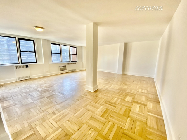3 Bedrooms, Yorkville Rental in NYC for $7,750 - Photo 2