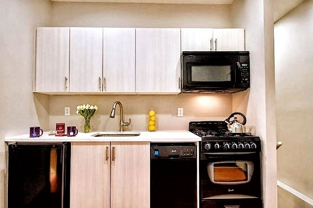 1 Bedroom, Alphabet City Rental in NYC for $3,775 - Photo 2