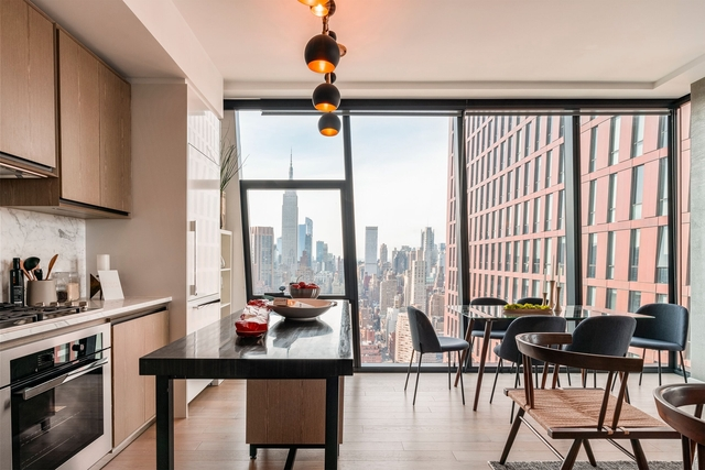 3 Bedrooms, Murray Hill Rental in NYC for $9,644 - Photo 1