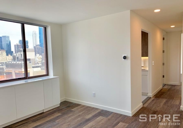 2 Bedrooms, Hell's Kitchen Rental in NYC for $4,115 - Photo 1