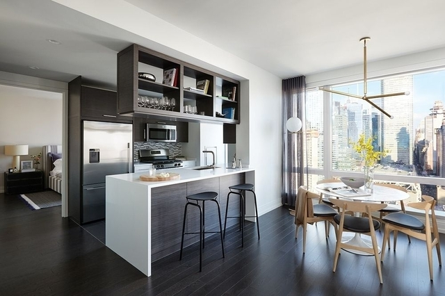 2 Bedrooms, Hell's Kitchen Rental in NYC for $5,996 - Photo 1