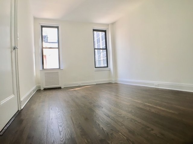 1 Bedroom, Turtle Bay Rental in NYC for $2,559 - Photo 2