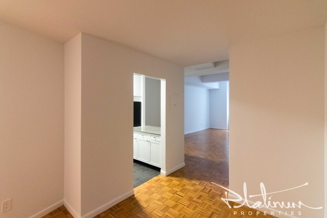 Studio, Financial District Rental in NYC for $3,387 - Photo 2