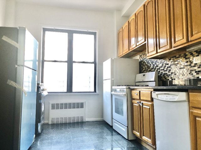 2 Bedrooms, Manhattan Valley Rental in NYC for $4,199 - Photo 2