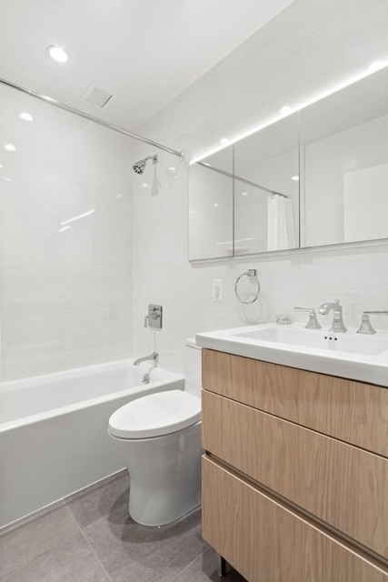 1 Bedroom, Rose Hill Rental in NYC for $5,395 - Photo 2