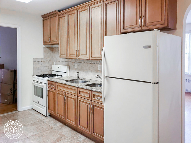 2 Bedrooms, Borough Park Rental in NYC for $1,799 - Photo 2